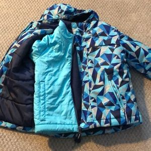 3 in 1 cat and jacket 4t excellent condition